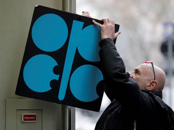 اوپک نمیتواند مانع ریزش قیمت نفت شود