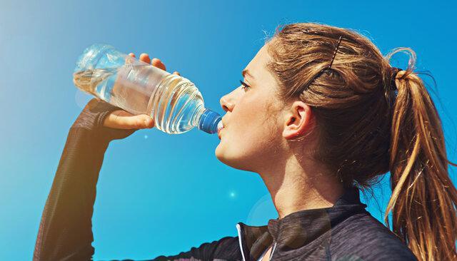 چند گرم پلاستیک در هر ماه مینوشیم؟